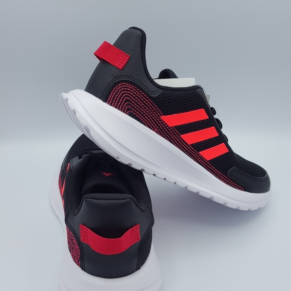 Adidas Running Shoes Size US 6 Y…